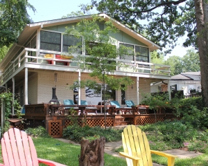 2800 S.F. Waterfront Paradise - Sleeps 10 - Almost Seaside