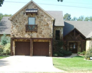 Luxury Cedar Creek Lakehouse - Sleeps 18 Comfortably!