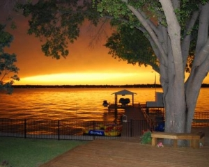 May Special $250/nt - Flamingo Bay-108 ft. Lakefront - Open Water La