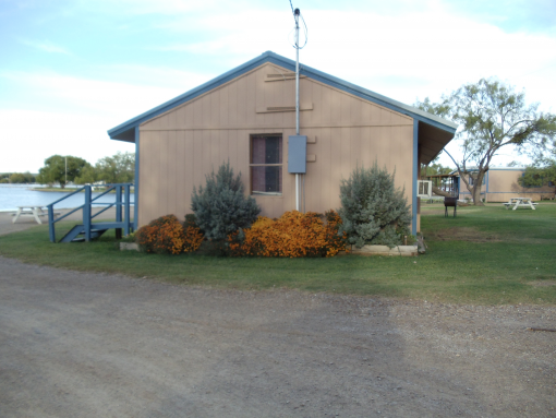 Tiplex cabins 1 2 3 possum kingdom lake vacation rental for Fishing cabins for rent in texas
