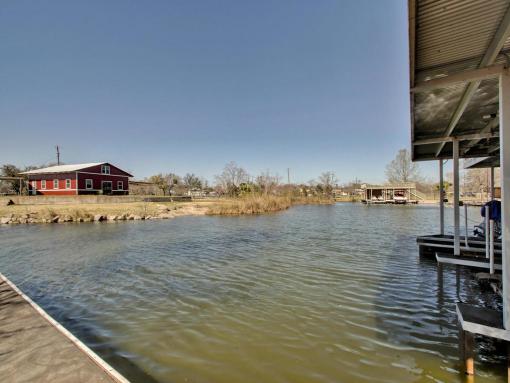 stop renting own your boat dock lake lbj lot or land for sale. Black Bedroom Furniture Sets. Home Design Ideas