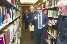 Lehendakari, Francisco 'Patxi' López Álvarez walks the stacks of the Center for Basque Studies