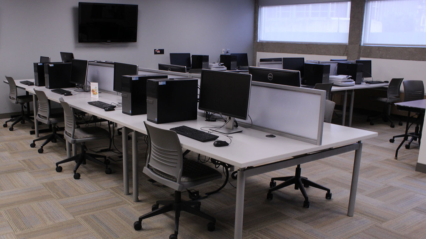 Multimedia Lab in CO 109