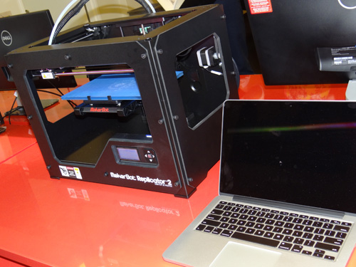 #D printer with laptop