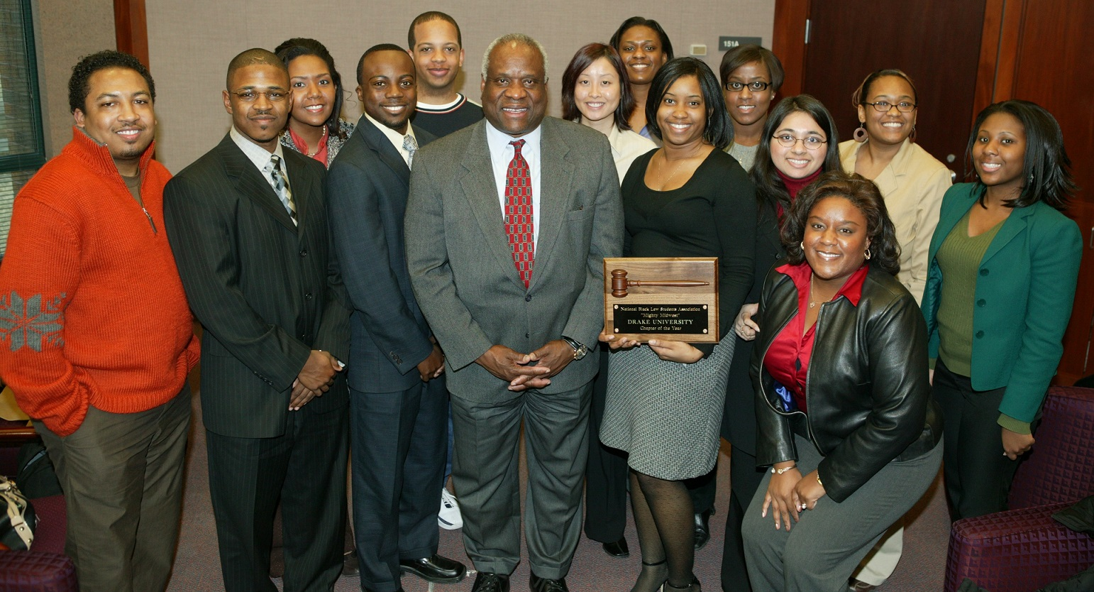 United States Supreme Court Justice Clarence Thomas meets with Drake Law students.