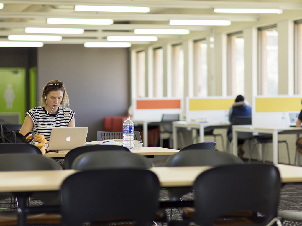 Enjoy a light and airy space in which to study at the Wagga Wagga campus