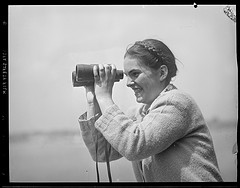 [Boston Public Library, 'Woman with binoculars at sporting event', CC BY-NC-ND 2.0 https://creativecommons.org/licenses/by-nc-nd/2.0/), image source: flickr (https://www.flickr.com/photos/boston_public_library/8720682418/)]