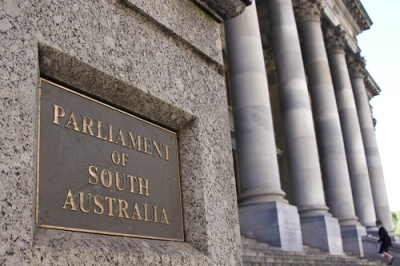 Kim Davies, 'Parliament of South Australia', CC BY-NC-ND 2.0 (https://creativecommons.org/licenses/by-nc-nd/2.0/), image source: flickr (https://www.flickr.com/photos/kjd/2095788804/)