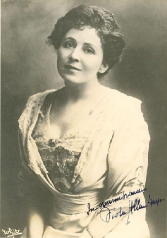 Actress Viola Allen - Signed Photograph