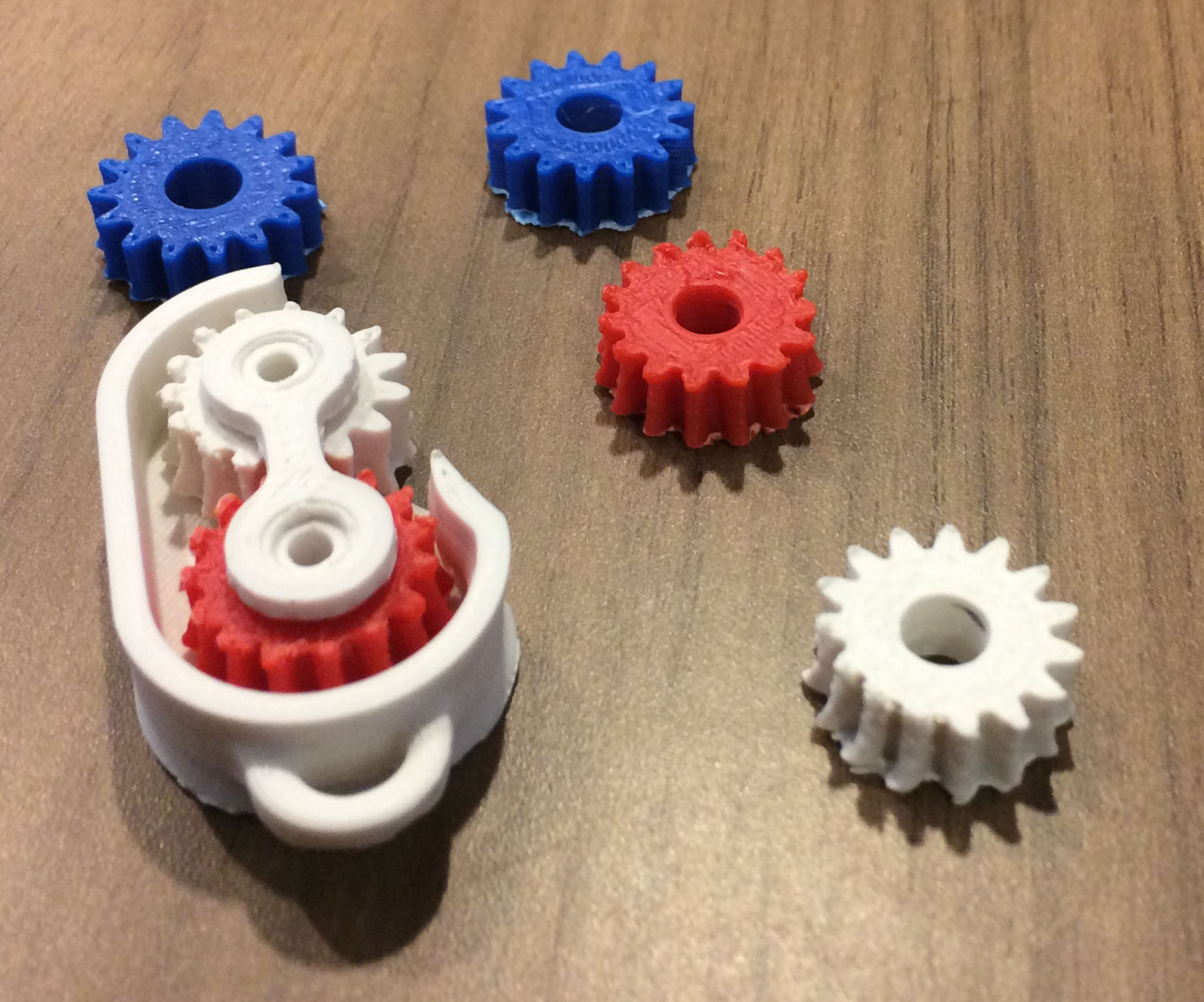 Special gears designed to allowed an optical tube to twist.