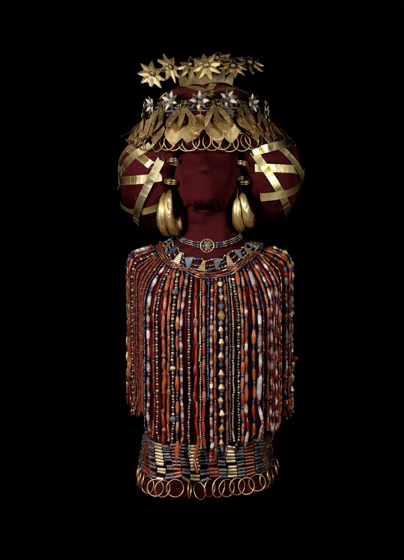 Queen Pu-abi's headdress and jewelry