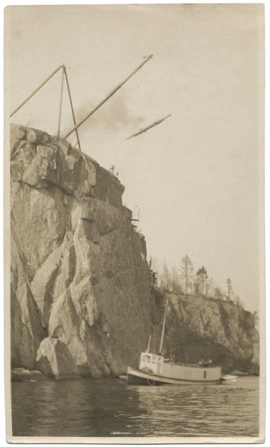 Steamer Red Wing on Lake Superior below Split Rock Lighthouse construction site (1909)