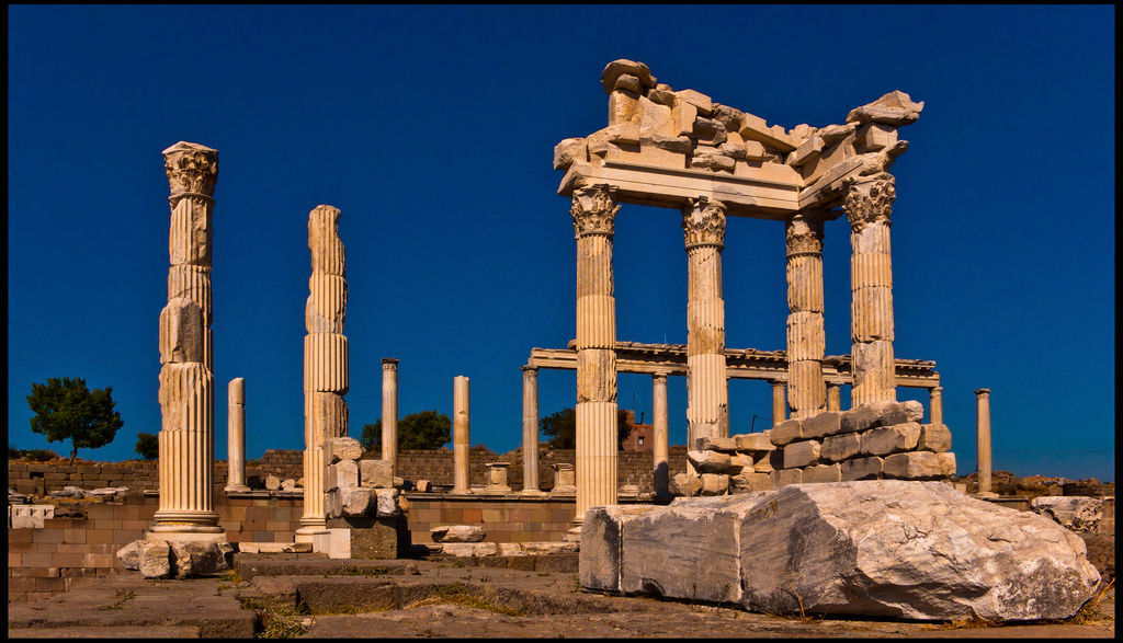 image of temple of Trajan in Pergamon, Turkey