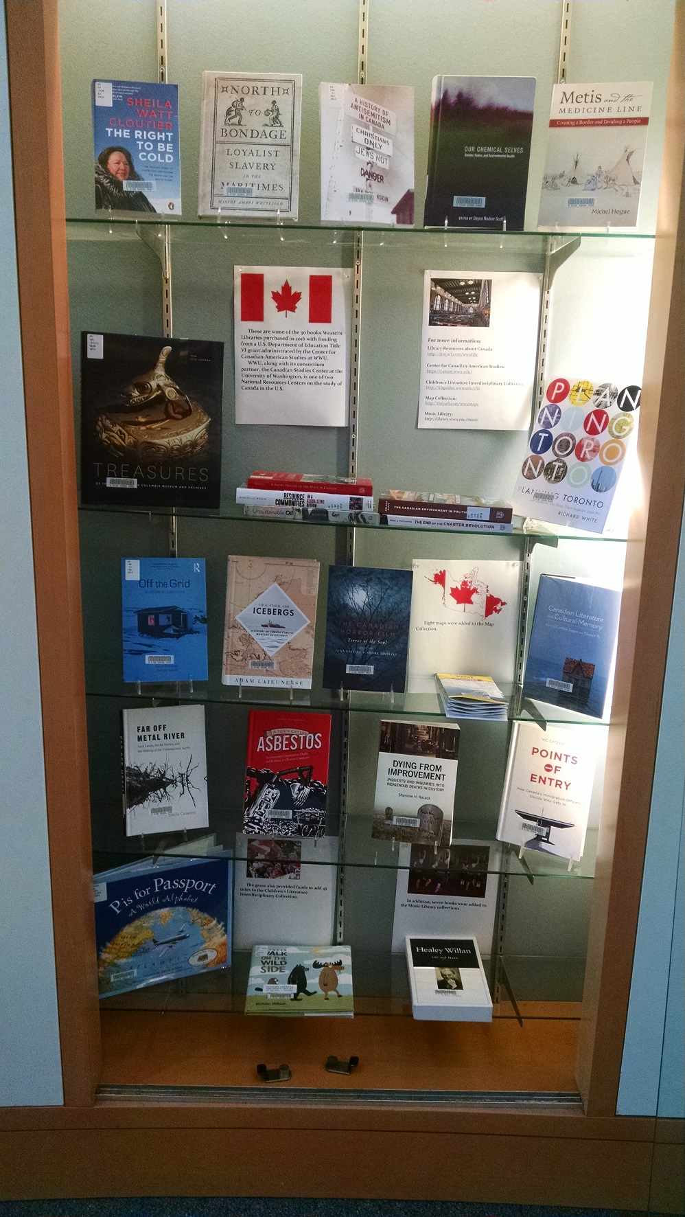 New Canadian Books Display