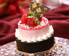 Chocolate strawberry petit four