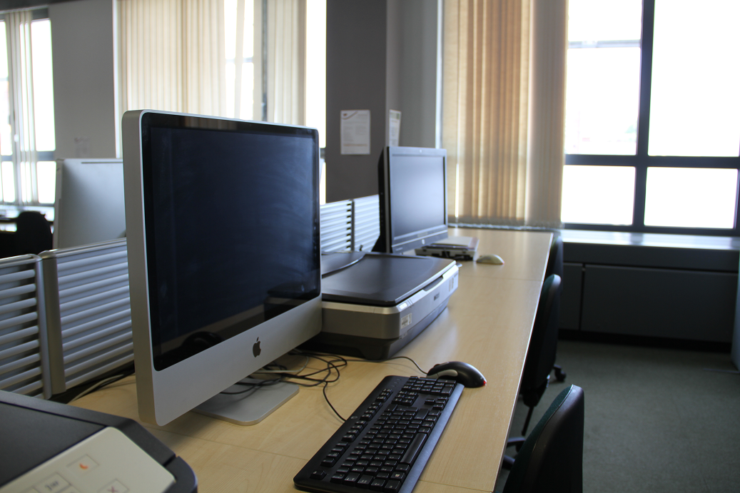 Picture of an Assistive Technology computer on the first floor of the Kimberlin Library