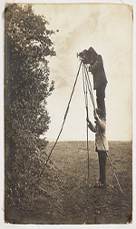Richard and Cherry Kearton taking a photograph of a bird's nest 1900