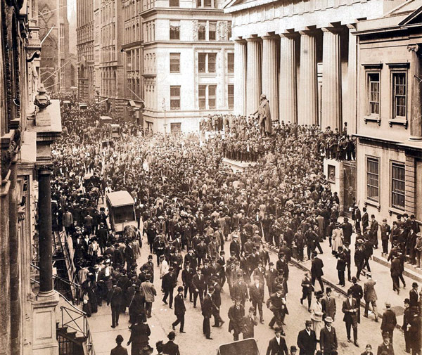 The Panic of 1907 - people flooding Wall Street