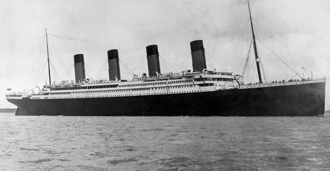 The Titanic sailing the Atlantic Ocean