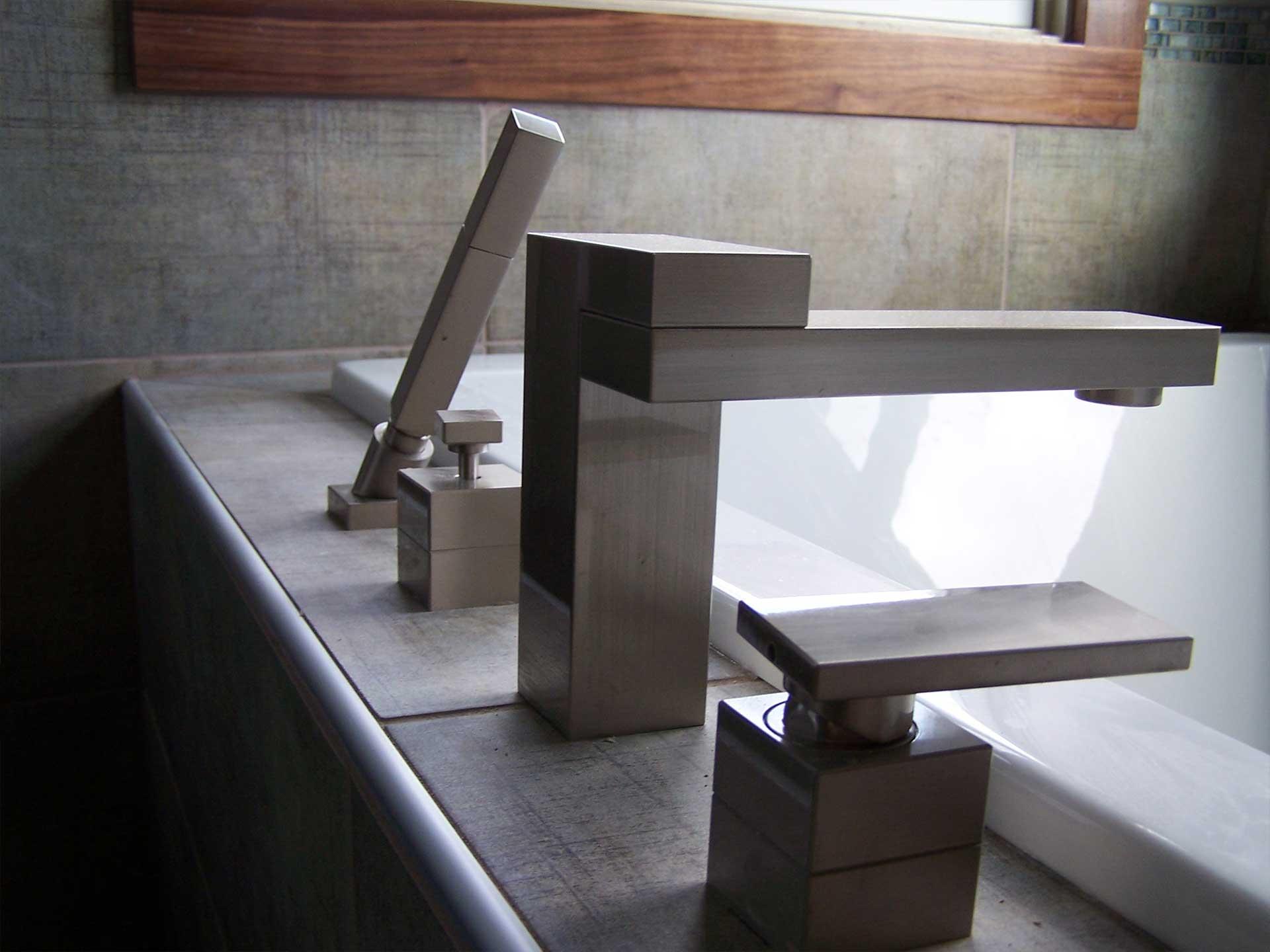 midwest-remodeling-bathroom-remodel-details