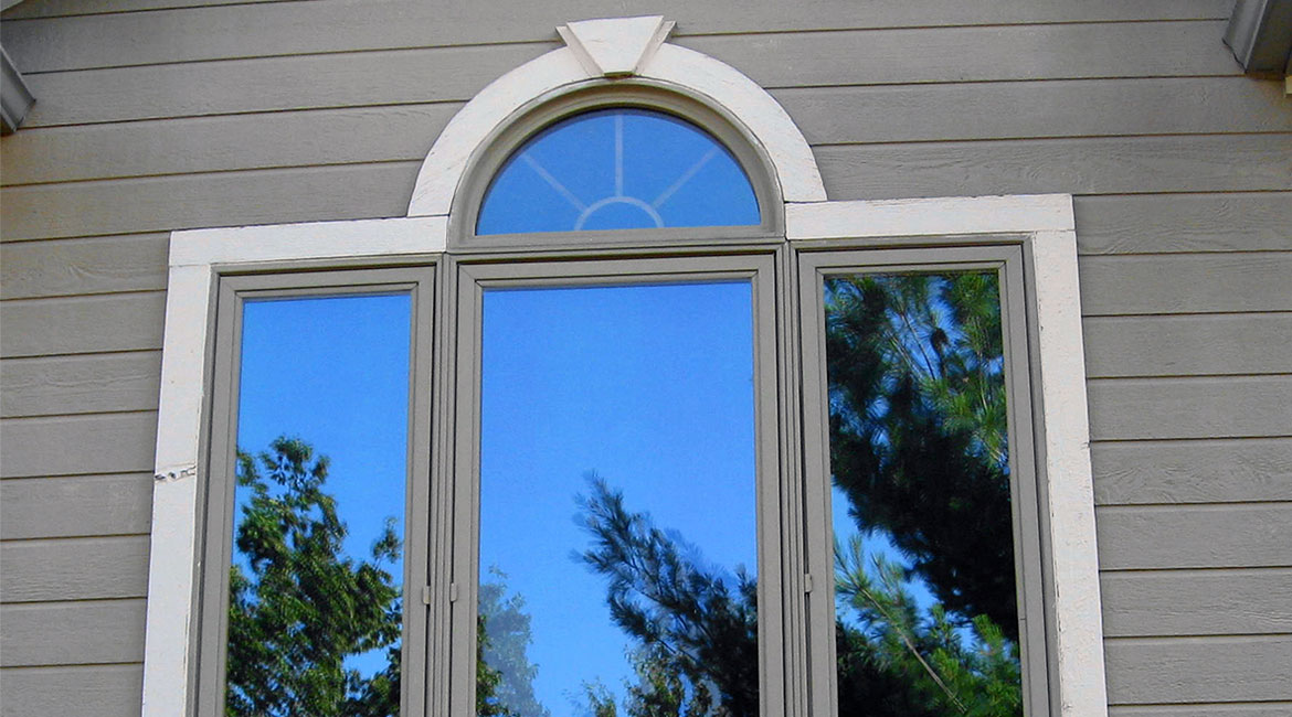 Three panel window by TrueSon Exteriors