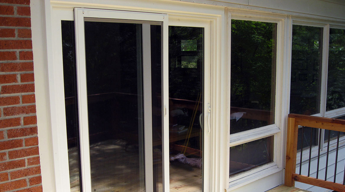 Sliding door by TrueSon Exteriors