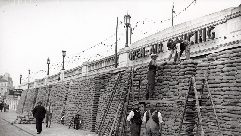 Scaled 1000 (1940s Brighton seafront)