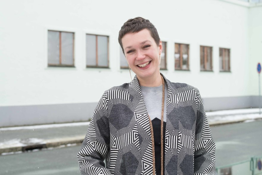 Curator in Residence Eva Rowson. Photo by Thor Brødreskift, Bergen Kunsthall, 2018.