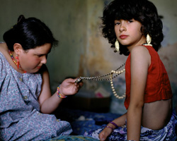 © Alessandra Sanguinetti/Magnum Photos.  ARGENTINA. Buenos Aires. 1999. The Necklace.