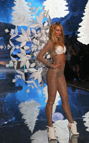 111115-victorias-secret-fashion-show-05