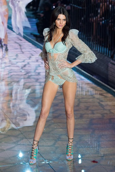 111115-victorias-secret-fashion-show-07