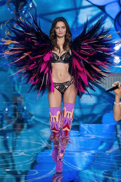 111115-victorias-secret-fashion-show-19