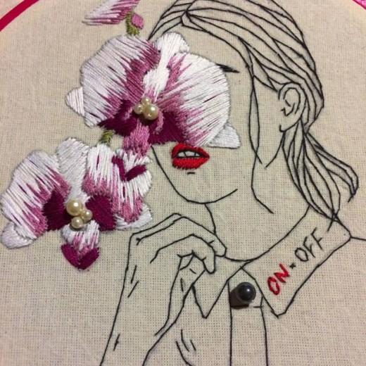 Esse é um trabalho da Camila Belotti, que ministra um workshop de bordado durante o Fio da Meada! Clica pra ver mais