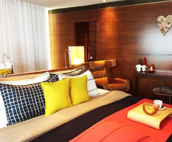 Olha que delícia essa cama da Linho 1, lá tudo é feito artesanalmente com tecido 100% linho. Clica na foto pra ver outras opções de roupa de cama!