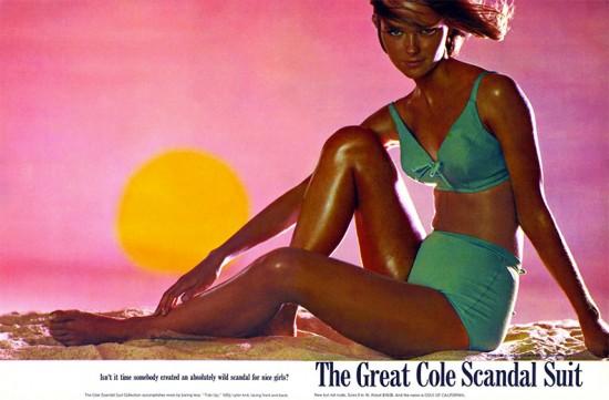 Cheryl Tiegs, uma das modelos americanas mais famosas do século, era a grande estrela da Cole of California na década de 70 - vem ver mais da moda praia dos Cole aqui na galeria!