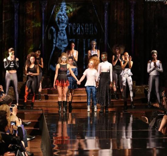 Madeline Stuart lança sua marca na Semana de Moda de NY, a 21 Reason Why - clica pra ver mais!