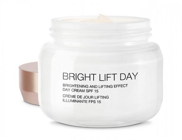 160217-kiko-Milano-BRIGHT-LIFT-DAY-brightening-and-lifting-effect-day-cream-SPF-15-149-90