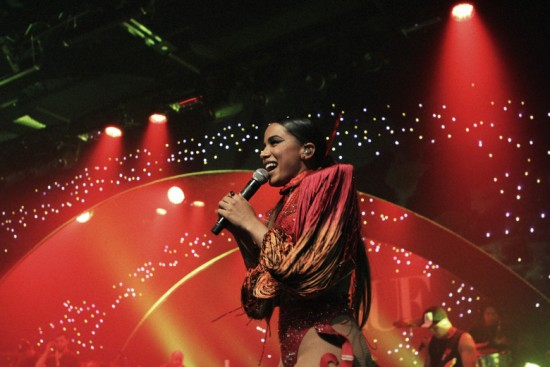 Anitta, de áries, animou o Baile da Vogue - vem ver mais!