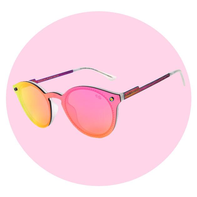 e17aa6b3645d5 Os óculos de sol com lentes coloridas estão de volta! - Lilian Pacce