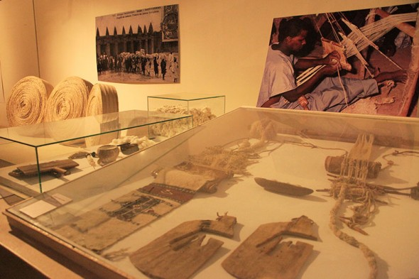 50517-okan-museu-mali-tear-instrumentos