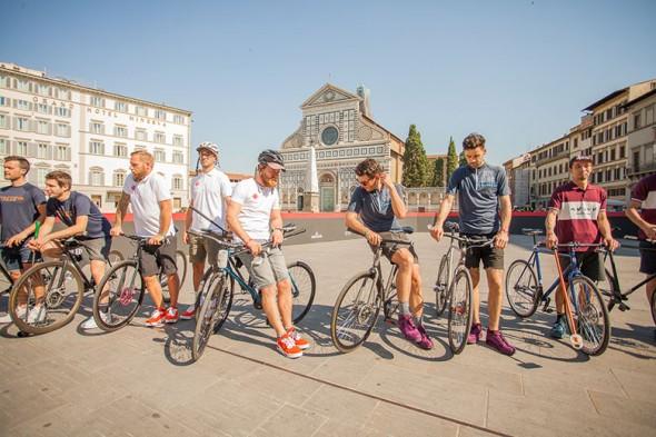 140617-christian-louboutin-bike-polo-03