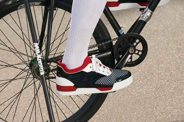 140617-christian-louboutin-bike-polo-08