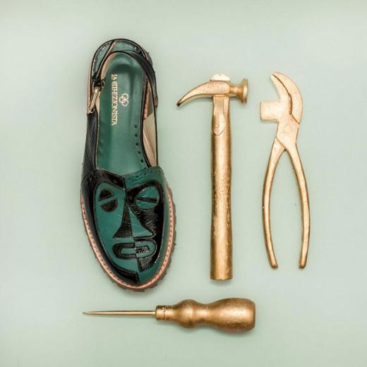 Coleção nova da La Collezionista - que tal a sandália tratorada cubista da foto (R$ 520)? Clica pra conferir tudo!