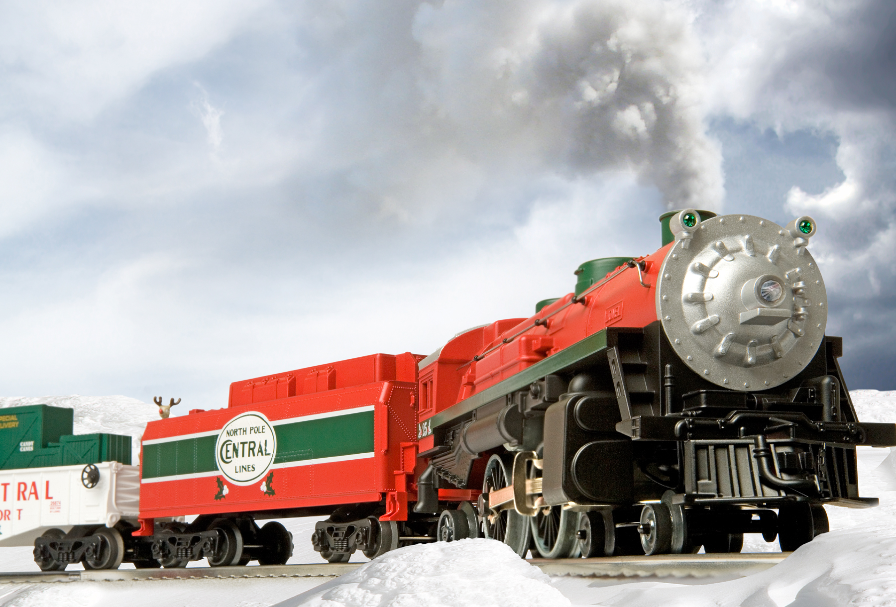 north pole central christmas train conventional 4 4 2 steam loco 25