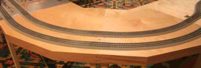 Fastrack Modular Railroad 45 Degree Full Corner Kit