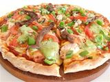 Avocado%20and%20chicken%20pizza
