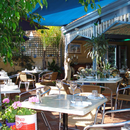 George's Meze courtyard