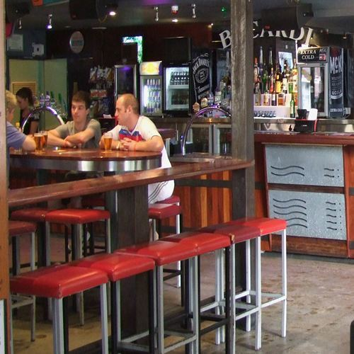 Tinbilly Bar & Grill