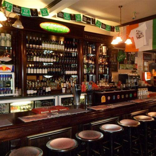 Hennessy's Irish Bar
