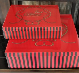Box - Cake: Just Divine